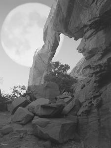 Arches Moon Shadow by Gordon Semmens