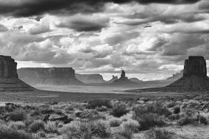 Monument Valley 13 by Gordon Semmens