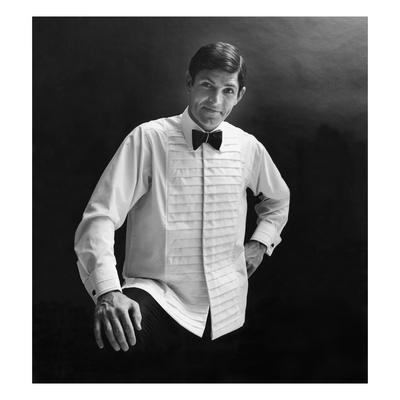 https://imgc.artprintimages.com/img/print/gq-november-1967_u-l-pgimmj0.jpg?p=0