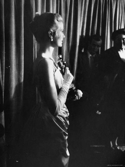 Grace Kelly Holding Her Oscar-George Silk-Premium Photographic Print