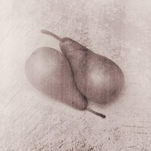 Pears by Graeme Harris