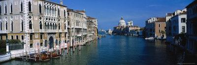 https://imgc.artprintimages.com/img/print/grand-canal-santa-maria-della-salute-venice-it_u-l-p3ca960.jpg?p=0