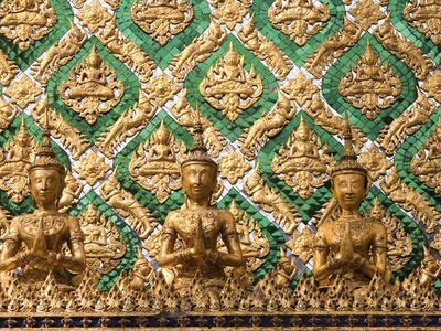 https://imgc.artprintimages.com/img/print/grand-palace-bangkok-thailand_u-l-q1d4lx10.jpg?p=0