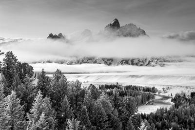 https://imgc.artprintimages.com/img/print/grand-teton-and-layers-of-fog-snake-river-overlook_u-l-pyrsbr0.jpg?p=0