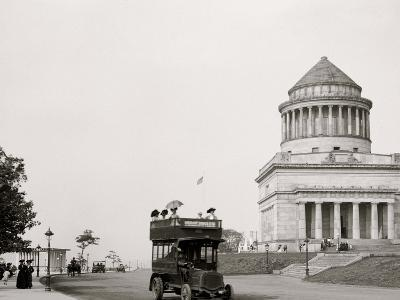 Grants Tomb and Riverside Drive, New York, N.Y.--Photo
