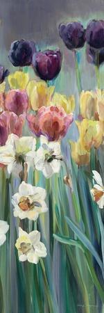 https://imgc.artprintimages.com/img/print/grape-tulips-panel-i_u-l-psv5880.jpg?p=0