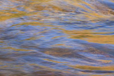 https://imgc.artprintimages.com/img/print/graphic-reflections-on-river-surface-lower-deschutes-river-central-oregon-usa_u-l-q1gbno30.jpg?p=0