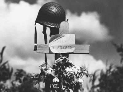 Grave of American Soldier--Photographic Print