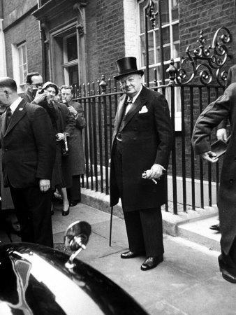 https://imgc.artprintimages.com/img/print/great-britain-s-prime-minister-winston-churchill-leaving-his-home_u-l-p73mya0.jpg?p=0