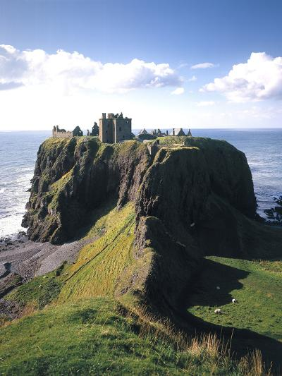 Great Britain, Scotland, East Coast, Grampian, Dunnottar Castle-Thonig-Photographic Print