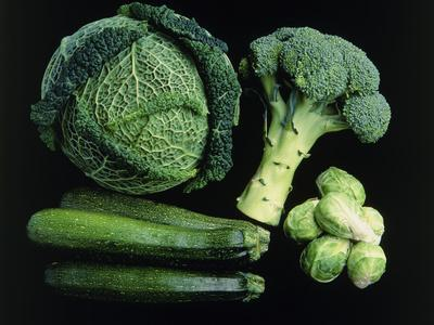https://imgc.artprintimages.com/img/print/green-vegetable-selection_u-l-pzjxfj0.jpg?p=0