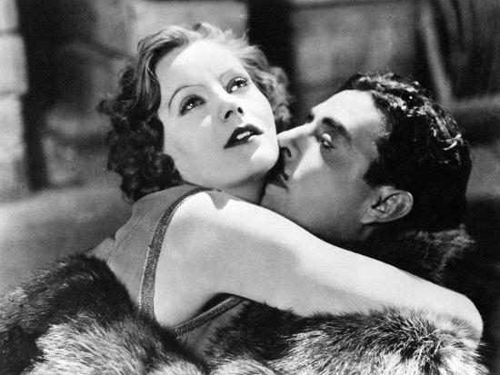 Greta Garbo and John Gilbert in Flesh and the Devil--Photographic Print