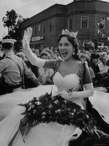 Miss America, Mary Ann Mobley Returning to Her Home Town by Grey Villet
