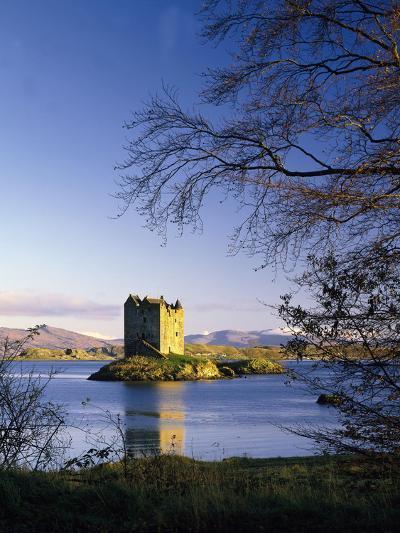 GrovŸbritannien, Schottland, Loch Linnhe, Stalcer Castle, Burgruine, Burg, Erbaut 14Jh-Thonig-Photographic Print