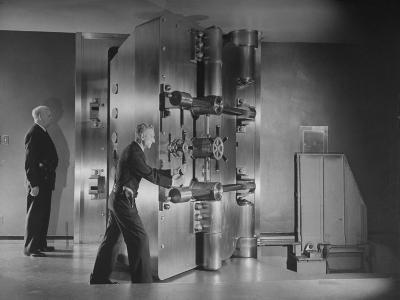 Guards Closing Bank Vault Door at Irving Trust Company-Herbert Gehr-Photographic Print