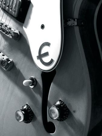 https://imgc.artprintimages.com/img/print/guitar-strings-iv_u-l-f649pp0.jpg?p=0