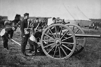 https://imgc.artprintimages.com/img/print/gunners-of-field-artillery-drilling-with-a-12-pounder-1895_u-l-ptwq9u0.jpg?p=0