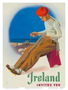Ireland Invites You - Irishman Weaving Crios Cord Belt by Guus Melai