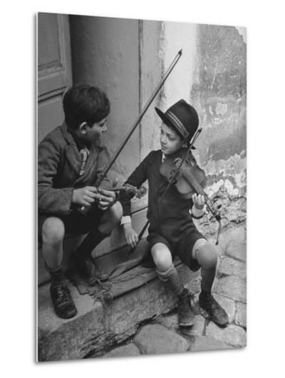 Gypsy Children Playing Violin in Street-William Vandivert-Metal Print