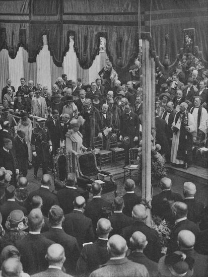 'H.M. The King laying the Foundation Stone of Lloyd's New Building 23 May 1925', (1928)-Unknown-Photographic Print