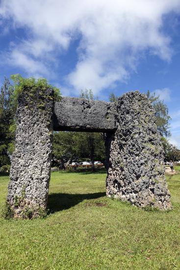 Ha'amonga 'A Maui Arch-benkrut-Photographic Print
