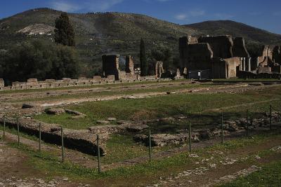 Hadrian's Villa, 2nd Century, Golden Court, Italy--Photographic Print