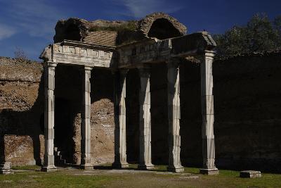 Hadrian's Villa, 2nd Century, Hall with Doric Pillars, Italy--Photographic Print