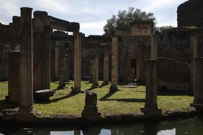 Hadrian's Villa, Maritime Theatre, 2nd Century, Italy--Photographic Print
