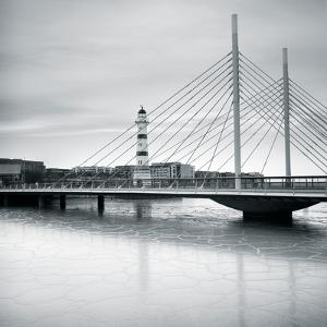 Lighthouse II by Hakan Strand