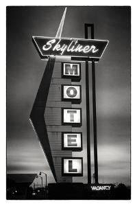 Skyliner Motel by Hakan Strand