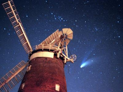 Hale Bopp Comet in Sky Over Thaxted Essex--Photographic Print