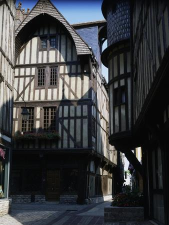 https://imgc.artprintimages.com/img/print/half-timbered-houses-in-medieval-rue-champeaux-troyes-champagne-ardenne-france_u-l-poxr5g0.jpg?p=0