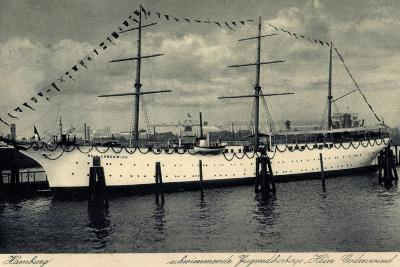 Hamburg, Segelschiff Hein Godenwind, Jugendschiff--Giclee Print