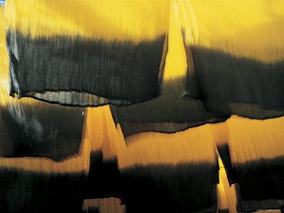 https://imgc.artprintimages.com/img/print/hanging-cloths-marrakesh-morocco-north-africa_u-l-p5g1co0.jpg?p=0