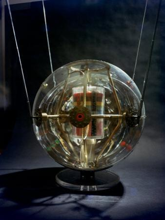Model of Earth Satellite Created at Naval Research Lab Shows How Instruments Will Be Stacked