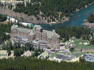Banff Springs Hotel and Bow River Near Banff, Banff National Park, UNESCO World Heritage Site, Albe by Hans Peter Merten