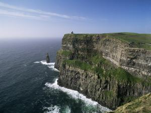 Cliffs of Moher, County Clare, Munster, Eire (Republic of Ireland) by Hans Peter Merten