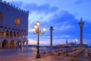 Doge's Palace and Piazzetta against San Giorgio Maggiore in the early morning light, Venice, UNESCO by Hans-Peter Merten