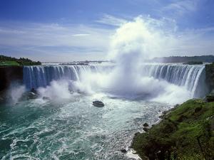Horseshoe Falls, Niagara Falls, Ontario, Canada by Hans Peter Merten