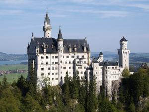 Neuschwanstein Castle, Schwangau, Allgau, Bavaria, Germany, Europe by Hans Peter Merten