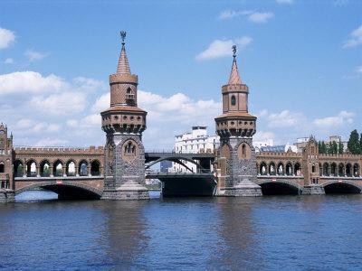 Oberbaum Bridge and River Spree, Berlin, Germany