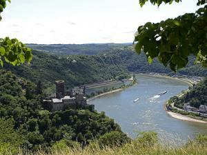 St. Goarshausen, Katz Castle and the River Rhine, Rhine Valley, Rhineland-Palatinate, Germany, Euro by Hans Peter Merten
