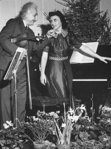 Albert Einstein's Violin Recital by Hansel Mieth
