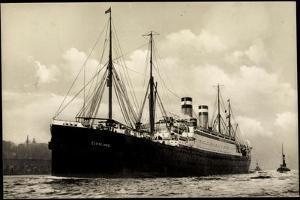 Hapag, Dampfschiff Cleveland in Fahrt Am Hafen