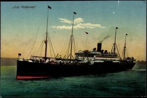 Hapag, Dampfschiff Graf Waldersee Auf See