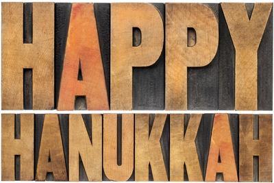 https://imgc.artprintimages.com/img/print/happy-hanukkah_u-l-q1036jc0.jpg?p=0