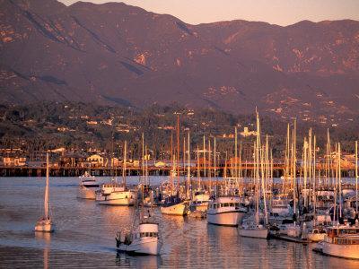 https://imgc.artprintimages.com/img/print/harbor-santa-barbara-california_u-l-p39tij0.jpg?p=0