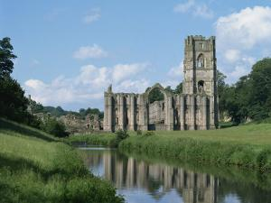 Fountains Abbey, UNESCO World Heritage Site, Yorkshire, England, United Kingdom, Europe by Harding Robert