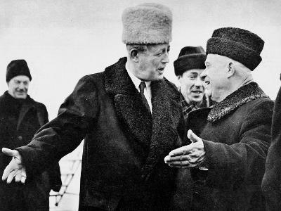 Harold Macmillan and Nikita Khrushchev--Photographic Print