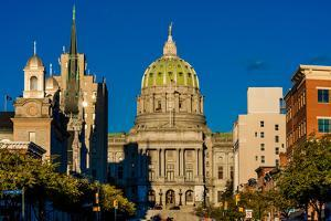 HARRISBURG, PENNSYLVANIA, City skyline and State Capitol Pennsylvania